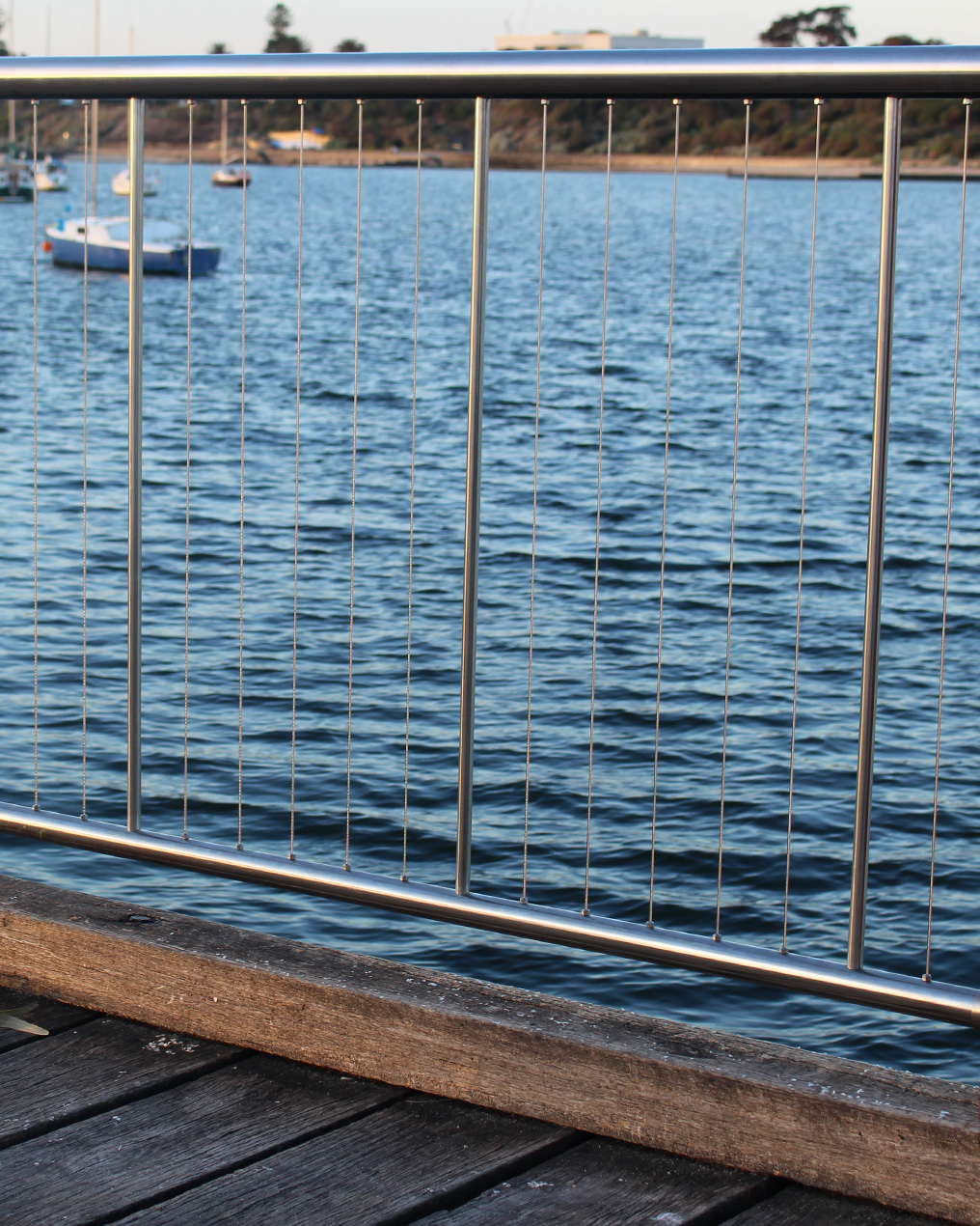 Stainless Vertical Wire Balustrade - Verti-Wire Self tensioning wire ...
